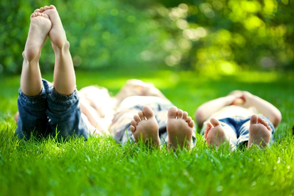 W jaki sposób radzić sobie z łuszczycą stóp i paznokci?